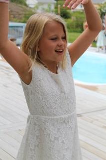 Julia älskar dans