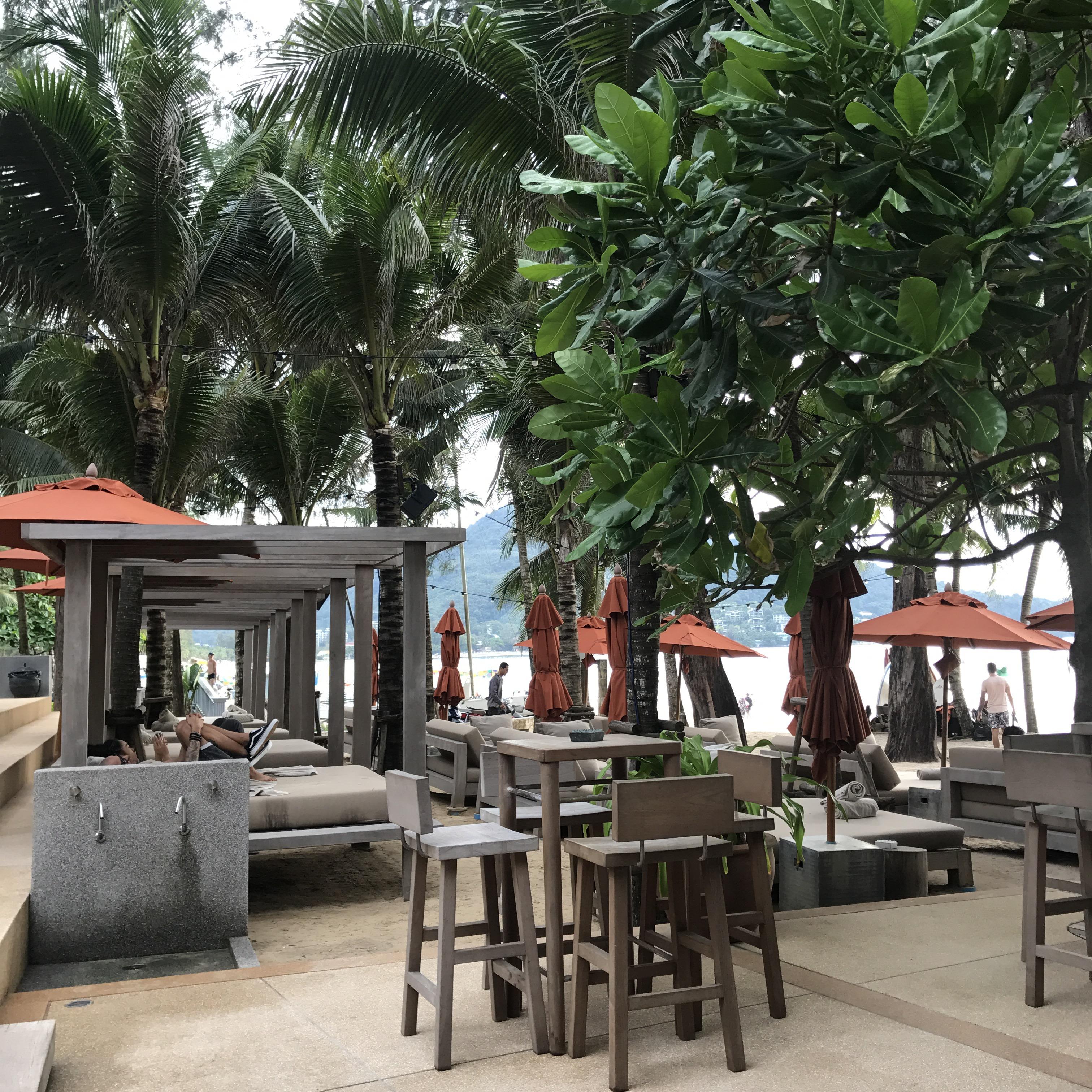 House in Phuket förmedlar boenden på hela Phuket.